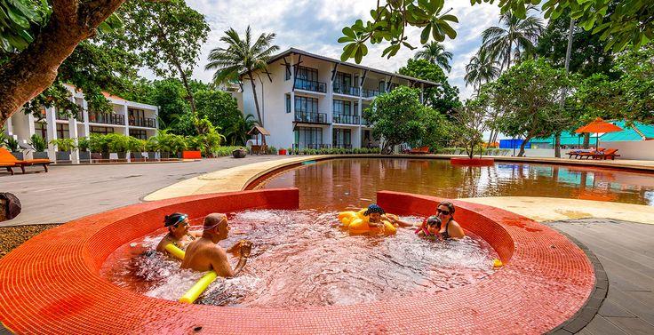⭐⭐⭐⭐ Calamander Unawatuna Beach   24.11.16 на 7 ночей. ✈ Шри-Ланка: Коломбо из Киева.  Стоимость от 886 $ на 8 дней/ 7 ночей.  Номер: Deluxe.  Питание: завтрак. #отдых Цена указана за 1-го при 2-х местном размещении. В стоимость входит:  проживание питание выбранного типа групповой трансфер международный перелет #скидки мед.страховка курортные сборы Дополнительно: виза * Можно пересчитать стоимость отеля на любую дату вылета и на любое количество дней. #туры