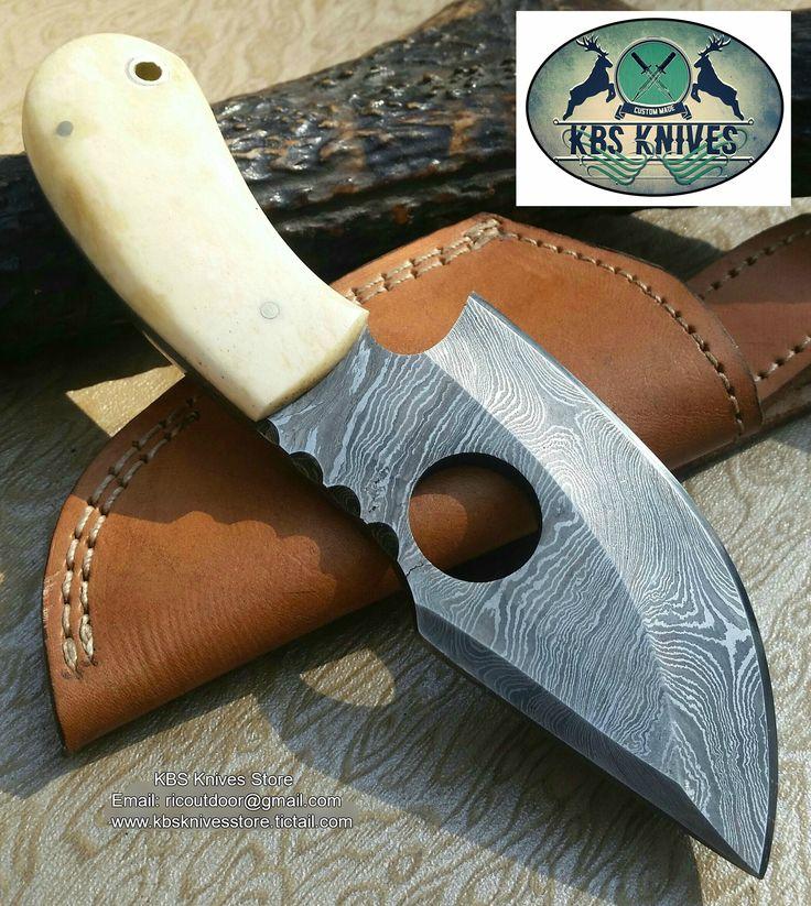 Full Tang Hand Made Damascus Finger Hole Skinning Knife