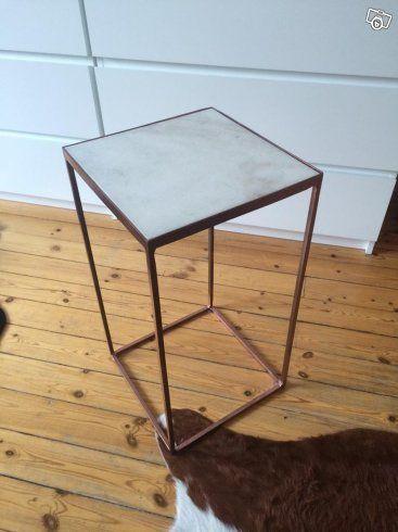 Marmorbord x2 köpt för 1399 på Åhlens innan jul, säljer dom för 500kr styck. Ramen i mörk koppar.  Komatta ikea köpt för 1495kr, säljes för 500kr.  Soffbord, grunden är ett Olivia bord från MIO (1195kr) sedan marockanskt kakel från thesouktmachine. K...