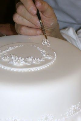 Donatella Semalo: Royal Icing & they wonder why we charge so much for a wedding cake, detail, time, care, patience, Whew!