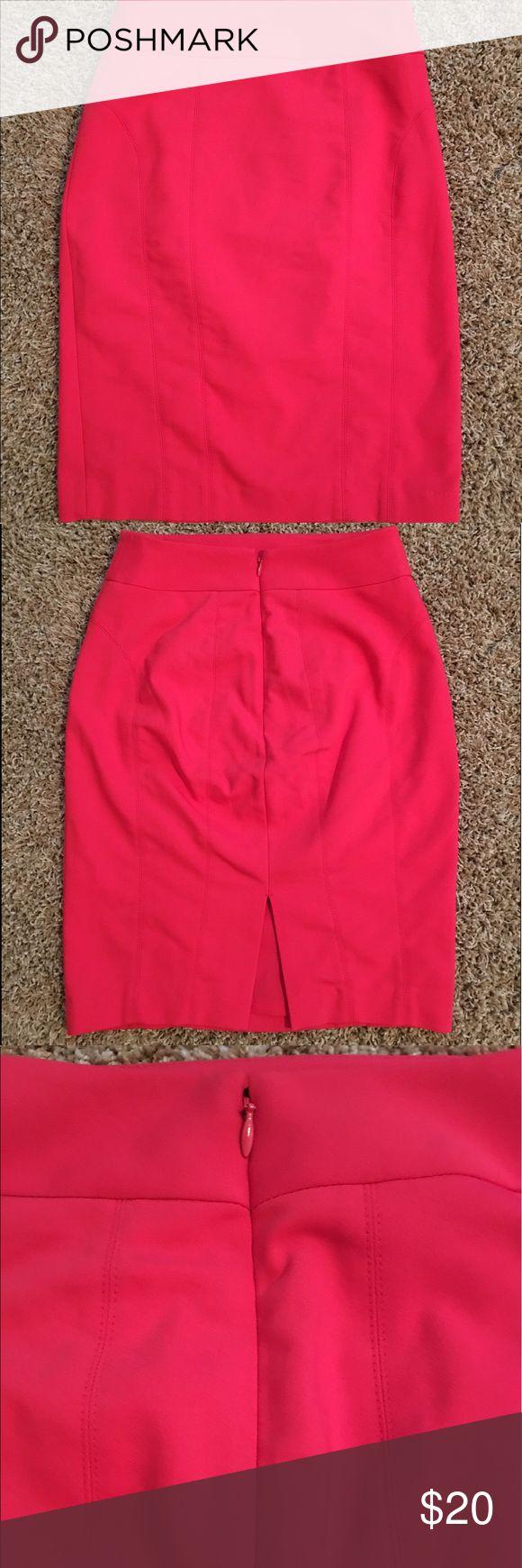 EXPRESS pencil skirt EXPRESS high waisted coral pencil skirt in mint condition Express Skirts Mini