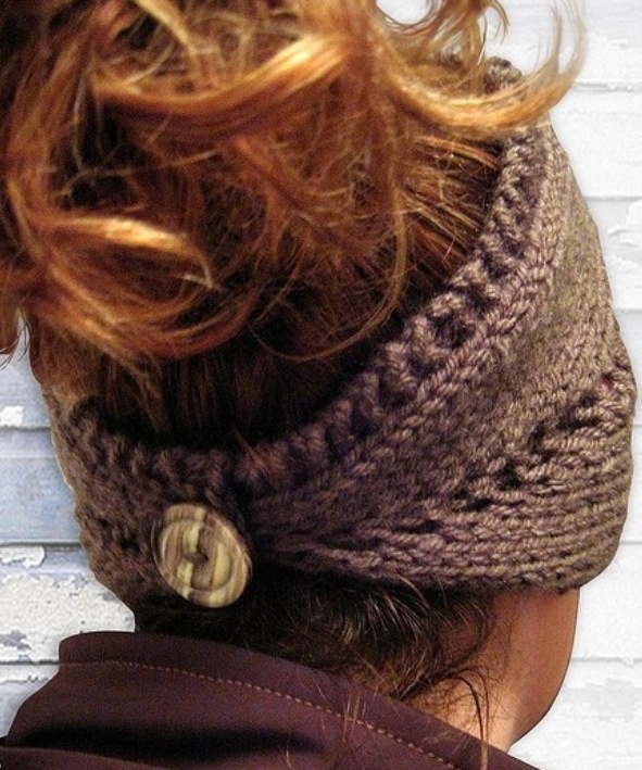 Crochet head band - just finished up on this in a off white color, love it....