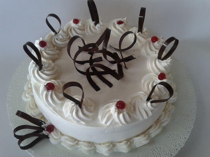1000 idee su torte con panna montata su pinterest for Decorazioni torte uomo con panna