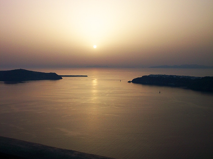 Tholos Resort Hotel Santorini - sunset view from the hotel