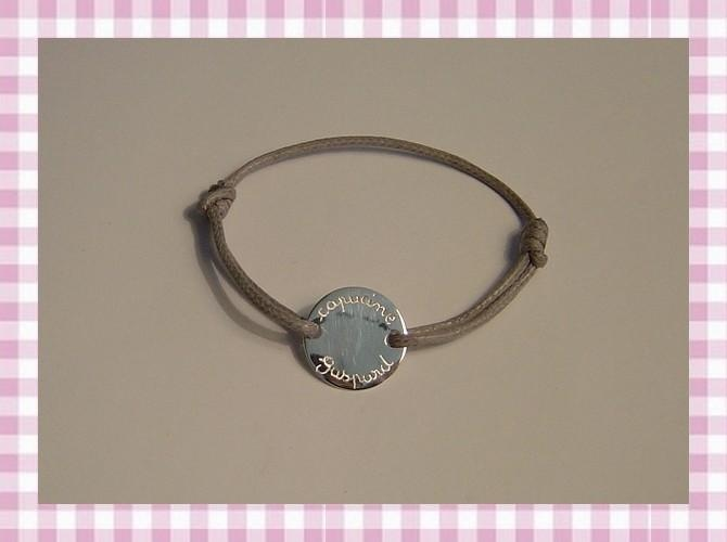 """Bracelet médaille gourmette gravée """"By les Poulettes"""""""