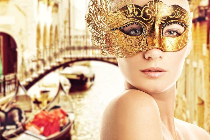 Venedik Festivali : İtalya'nın Venedik şehrinde her yıl düzenlenen bir karnavaldır. Her yıl 40 gün sürer. Maskeleriyle ünlüdür.  Festival Rönesans döneminde başlamıştır. Ancak ne zaman ve nasıl ortaya çıktığı bilinmemektedir. Her yılın başında, Venedik halkı San Marco Meydanı'nda maskeleriyle karnaval geleneğini devam ettirir.  http://outgoing.turaturizm.com/index/detay/81/834/12353/10/14/venedik-turu-kurban-bayrami/