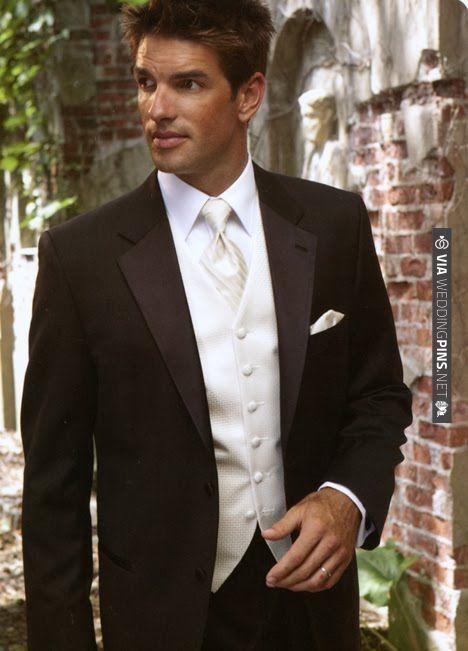 Wedding tuxedo..... | VIA #WEDDINGPINS.NET
