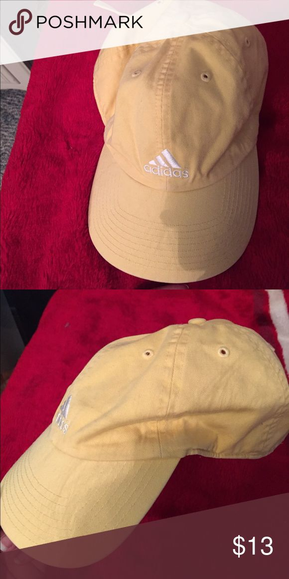 Adidas baseball cap Yellow, baseball cap style, wore a couple times Adidas Accessories Hats