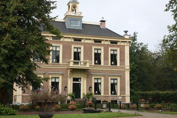 Den Alerdinck is gelegen op een unieke locatie in Nederland. Na een kleine land weg, omringd door eeuwenoude bomen, gaan de poorten open voor de 35 acre Historische landgoed waar deze prachtige kasteel kan worden gevonden. Ervaar de rust, charme en natuurlijke schoonheid van een oude Havezate. Het kasteel is omgeven door een 3 km…