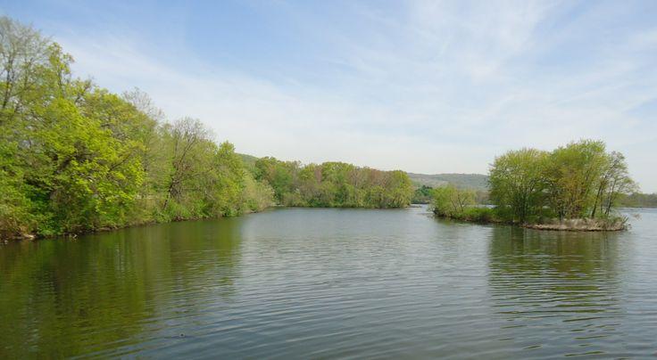 File:Pompton Lake in Pompton Lakes NJ island.jpg