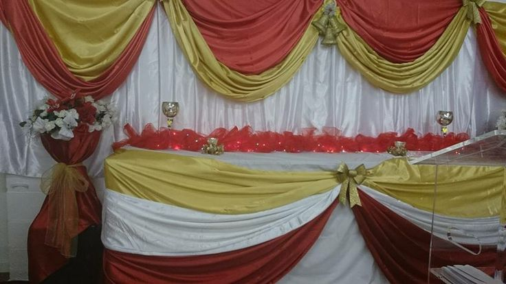 beautiful top table decor and backdrop design done for a christmas function. bilpa events https://www.facebook.com/bilpaEvents