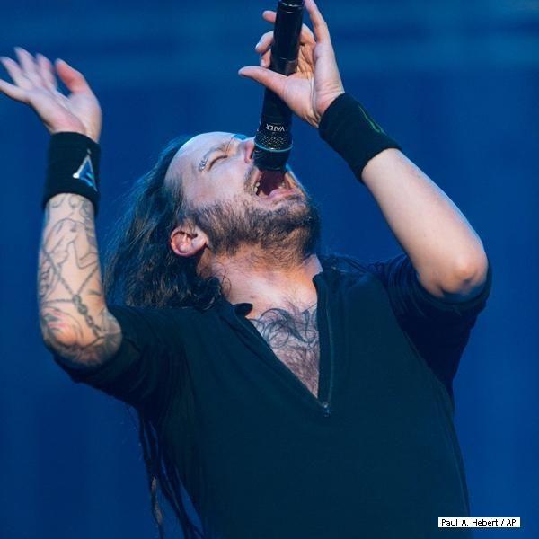 """Atração do Monsters of Rock, Korn lança novo disco; ouça """"Love and Meth"""": http://ow.ly/pUOgP"""