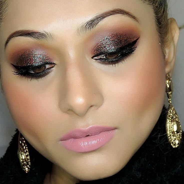Evening Sparkle Smokey Eyes with the exquisite @rayartistify Tutorial http://ift.tt/2j9jzIQ Share your looks to be featured #GlamExpress or  http://ift.tt/1LKibRA (win cool stuff ) BBloggers  YTers : check out our monthly beauty competitions  LIKE IF YOU  THIS LOOK & TAG SOMEONE WHO NEED TO SEE THIS . . . . #youtube #channel #instagramhub #instamakeup #instadaily #potd #picoftheday #instalove #love #youtuber #vlogger #bengali #glitter #smokey #eyeliner #wingedeyeliner #motd #lotd #eotd…