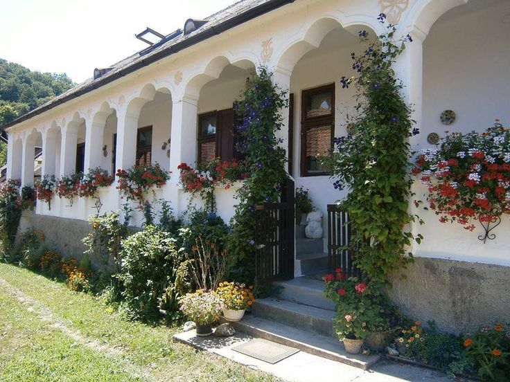 Lóherés boltozatú tornácos ház - Szin - Északi-középhegység - Hungary