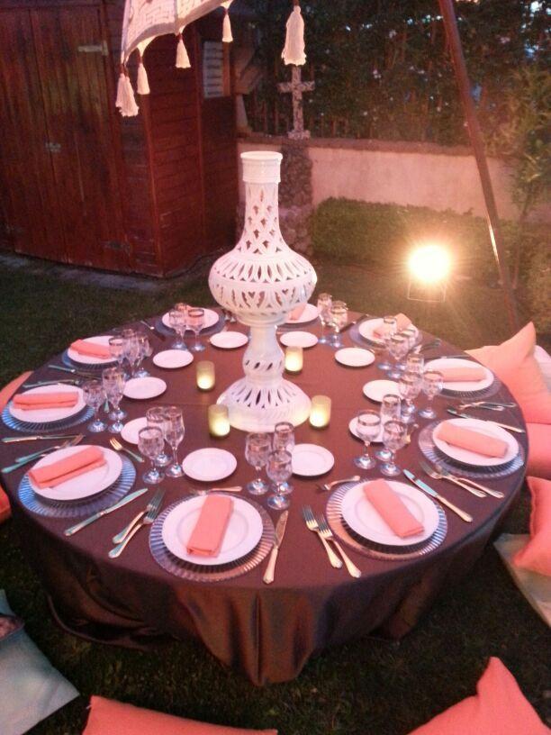 """Feste a tema. Un giardino d'estate per un party in stile arabo col la magia di """"Le mille e una notte"""