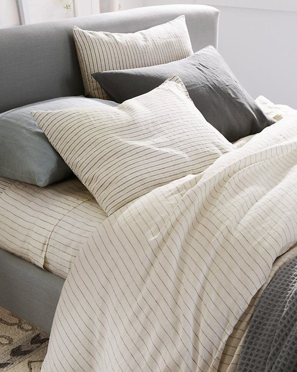 Your Choice Of Fresh Stripes To Add Chic Dimension And Boutique Like Beauty To Any Bed Made From 100 Linen For Softness A Striped Bed Sheets Bed Simple Bed