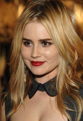 "Alison Lohman, Actress: Drag Me to Hell. Alison Lohman was born in Palm Springs, California, to Diane (Dunham), a patisserie owner, and Gary Lohman, an architect. Her ancestry includes English, German, and Scottish. She grew up in a family with no showbiz connections but she always wanted to perform. By age 9, she had landed her first professional, theatrical role playing ""Gretyl"" in ""The Sound of Music"" at Palm Desert's McCallum ..."