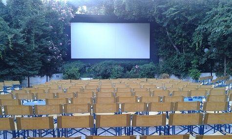 La salle verdoyante du cinéma Riviéra, à Athènes
