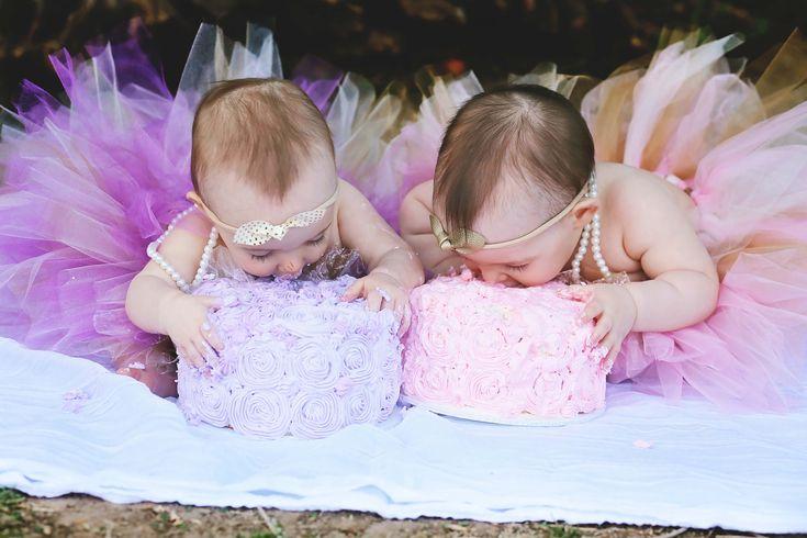 Поздравление с годиком близнецам девочками