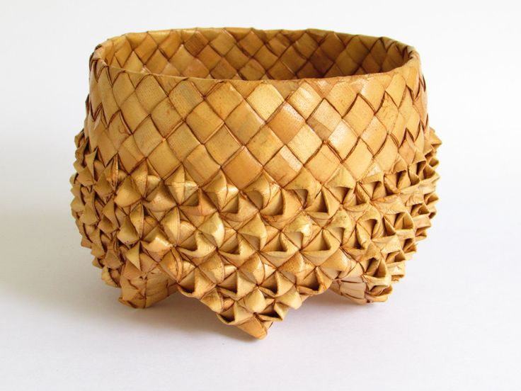 Vintage Woven Basket, Folded Grass Detail, Medium Star Bottom Basket, Textured Decor, Trinket Basket, Natural Decor by FoxLaneVintage on Etsy