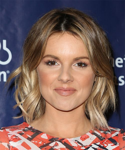Ali Fedotowsky Hairstyle - Medium Wavy Casual - Light Brunette