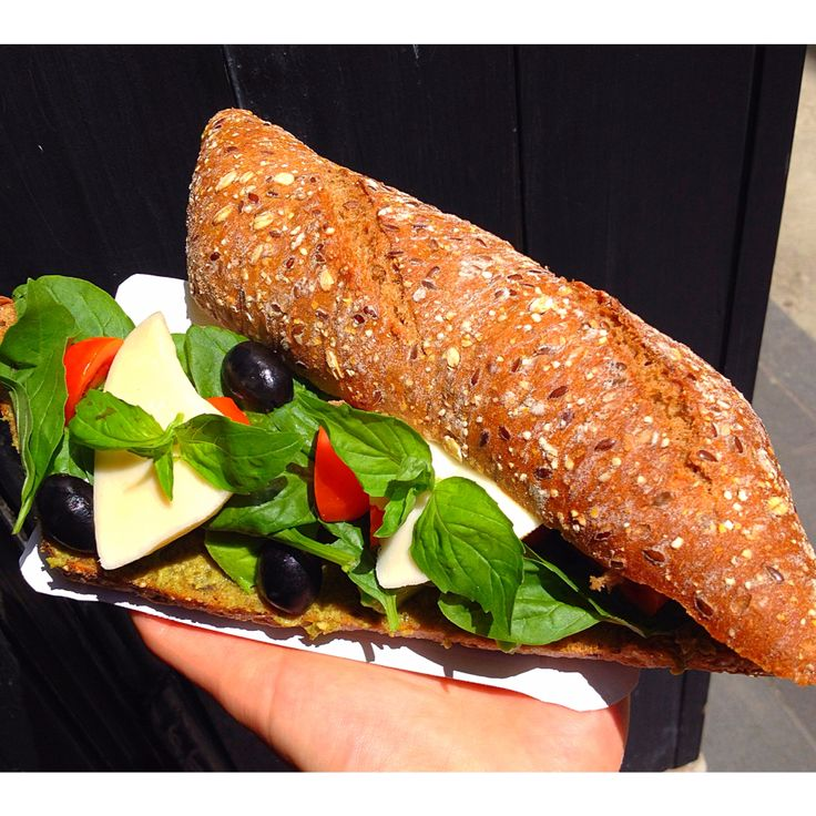 Pestos bazsalikomos szendvics a Juicyban!  #daily #healthy #juicy