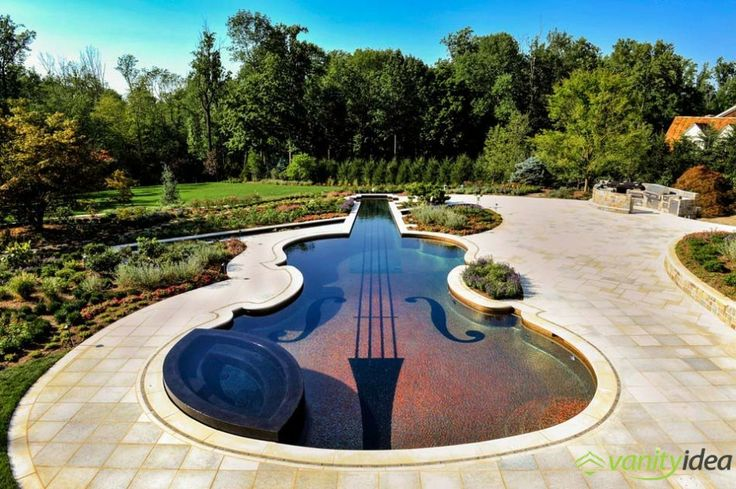 the pool has all the details of an actual violin; such as purlflings, f-holes, a bridge, strings, a tailpiece even a chin rest!