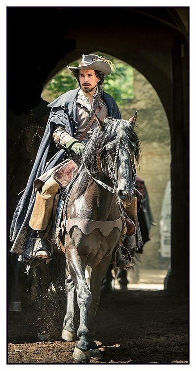 musketeers movie costume
