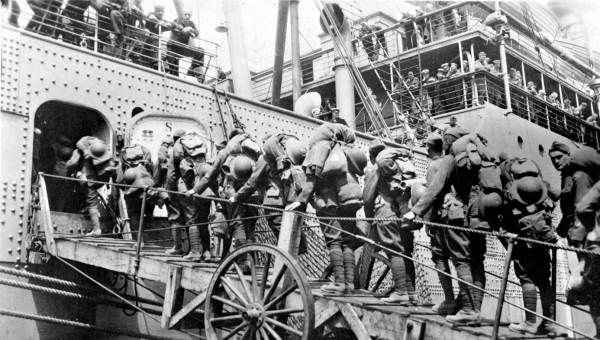 Soldiers leaving for France during World War I