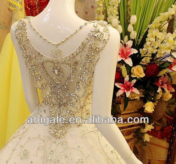 Luxury bride wedding dress