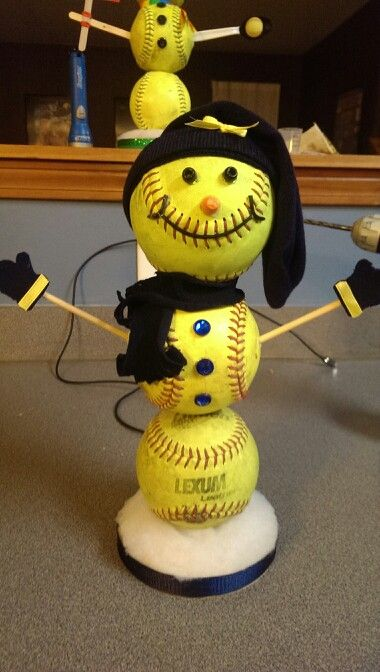 This snowman is ready to travel! Softball Hair Bow / Ribbons and Snowman!