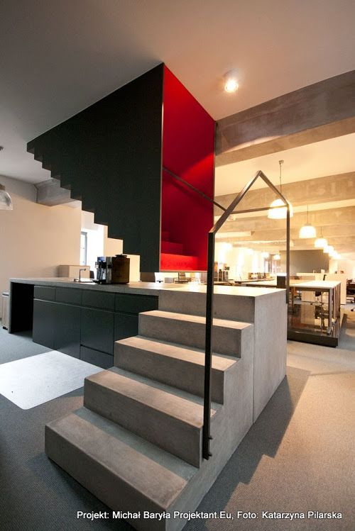 Amazing floating stairs suspended from ceiling above. もっと見る
