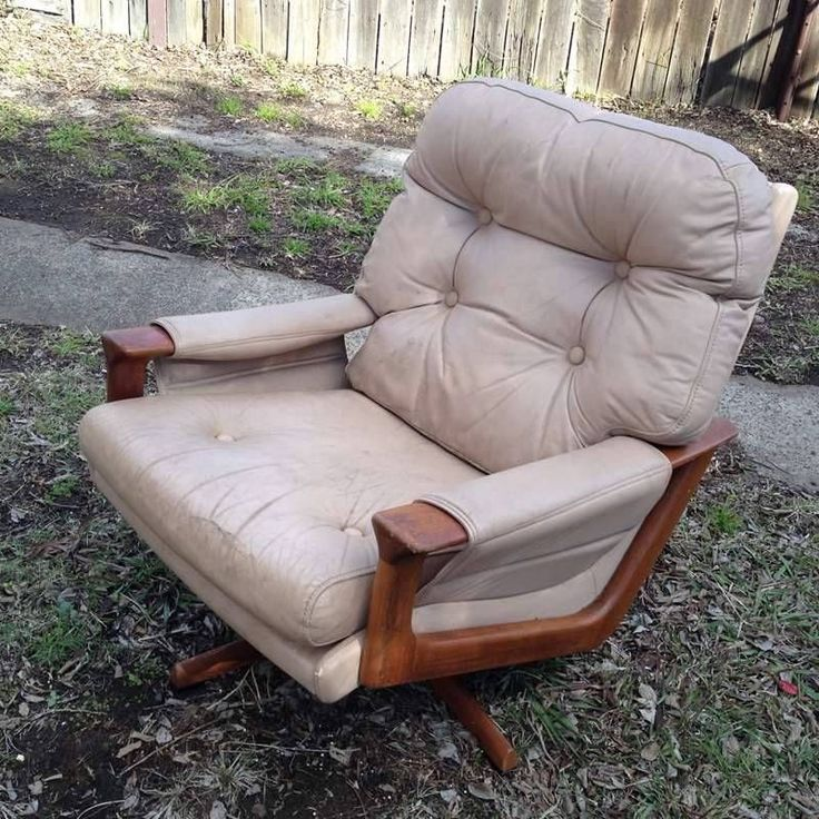 Vintage Retro Tessa T21 Swivel Armchair Original Leather Chair Lounge Decor