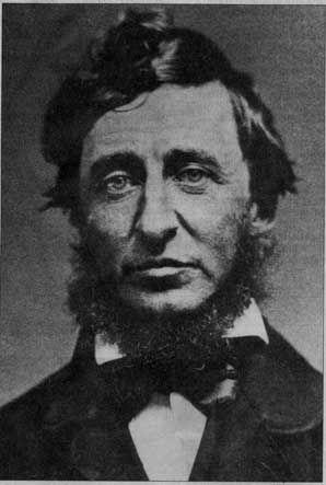 """#HenriDavidThoreau (1817 - 1862) « Cela intéresse nombre de gens de savoir, à propos des monuments de l'Ouest et de l'Est, qui les a bâtis. Pour ma part, j'aimerais savoir qui, en ce temps-là, ne les bâtit point, - qui fut au-dessus de telles futilités. » Lu dans """"Walden ou la vie dans les bois"""""""