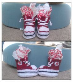 Free knitting pattern for baby converse! Best guide I've seen yet, great step by step photos and best yet....they're knitted with single point needles rather than in the round which after 2yrs of knitting I still cannot master :-(