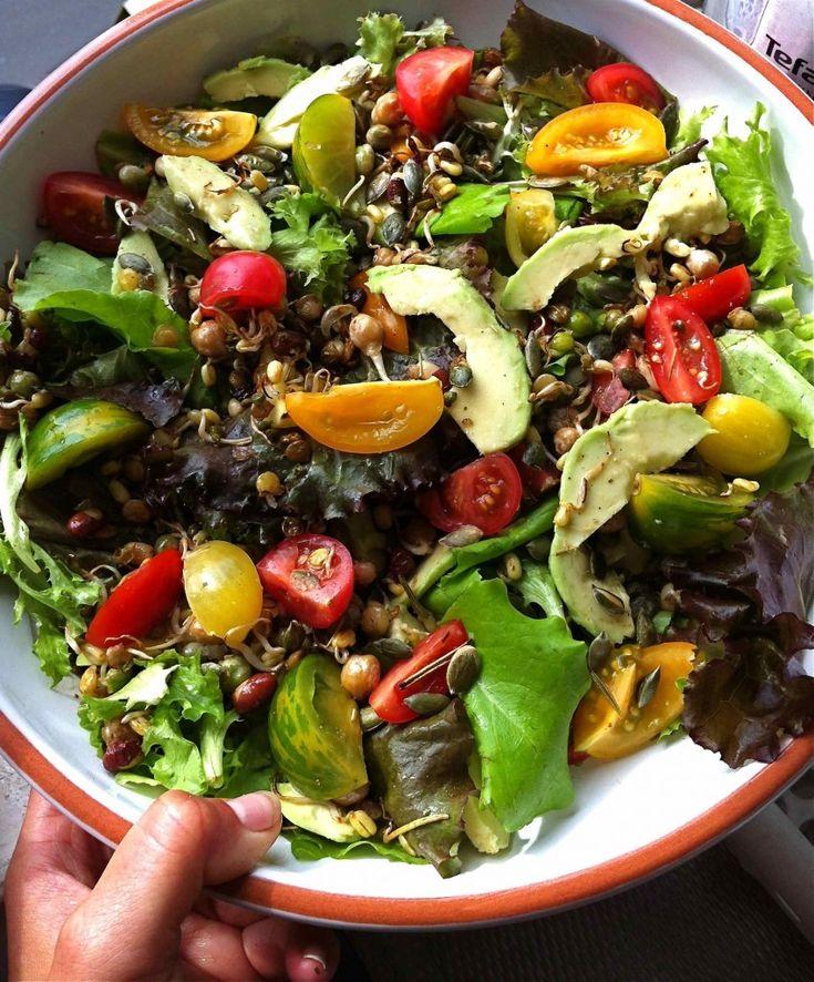 Verschillende soorten tomaatjes, hoe zomers ziet dat er uit? Knapperige Sprouty/tomaatjes salade