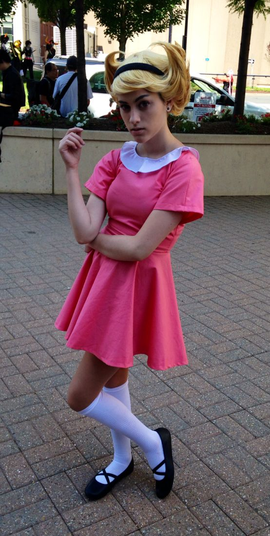 Tumblr user Neckfruit cosplays Mandy from The Grim Adventures Of Billy And Mandy.