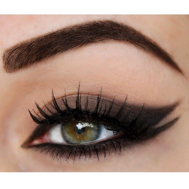 ♥♥ ..I dig this cat eye ...Jessica we need to do some playing around
