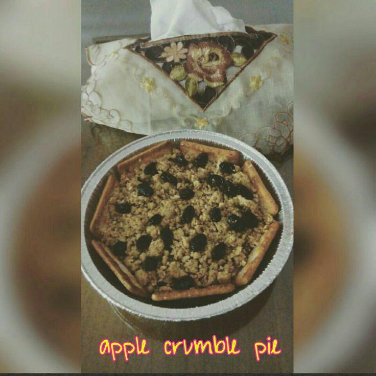 feel the cozy warm apple crumbel pie..woohooo..! #applecrumble #pie #pai #apel #warmfood #appetizer #breakfast #sarapan #jakarta #indonesia #cinnamon #delicious #kudapansyorga #culinary #kuliner #sale by #order