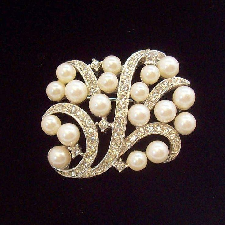 Chic Silvertone Metal  Imitation Pearls & Clear Rhinestones Pin. Vintage Jewelry under $25 at Ruby Lane @Ruby Lane