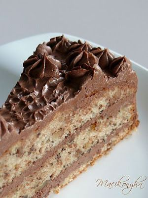 Macikonyha: Csokis-diós nosztalgiatorta - vajas, étcsokis krém