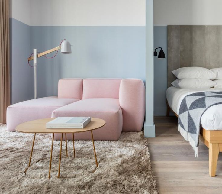 Современный отель Leman Locke от дизайнеров Grzywinski+Pons расположился в восточной части Лондона, Великобритания недалеко  от самых творческих и оживленных районов города Shoreditch, Hoxton, и Hackney