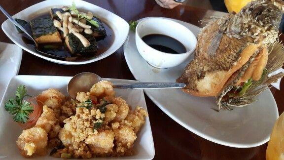 Tahu taosi ca Jamur, Gurame goreng & Udang goreng telur asin @ Dè leuit restaurant, Bogor