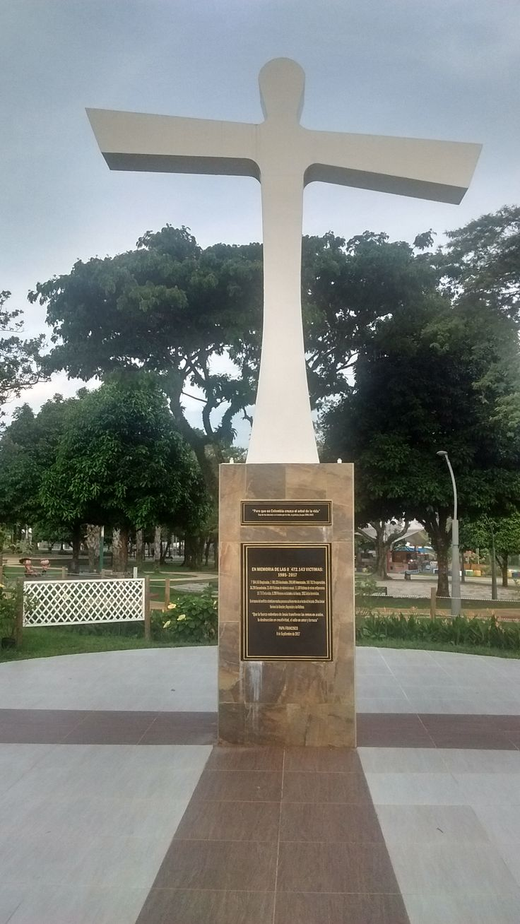 Villavicencio, Meta, Colombia, Parque Fundadores, Cruz de la Reconciliación, víctimas de la guerra, bendecida por el Papa Francisco durante su visita, Founders Park, Cross of Reconciliation, war victims memorial, blessed by Pope Francis' during his visit