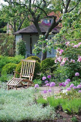 Almbacken: Jag drömmer mig tillbaka till Ulla Molins trädgård