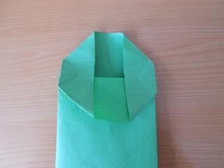 Maríamanual: Cómo hacer bolsas pequeñas de papel kraft.