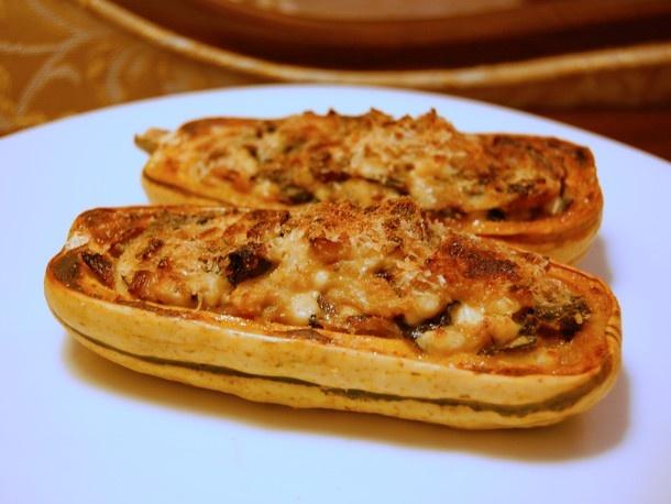 Vegetarian: Baked Kale-Stuffed Delicata Squash