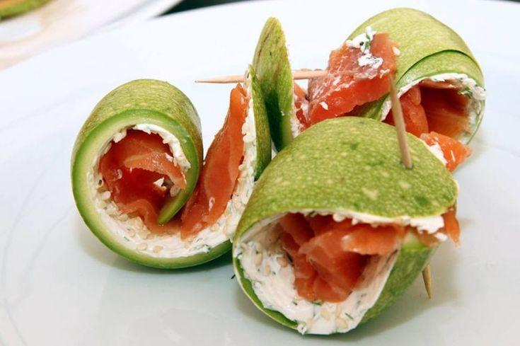 Rulou de zucchini umplut cu somon fume  - www.Foodstory.ro