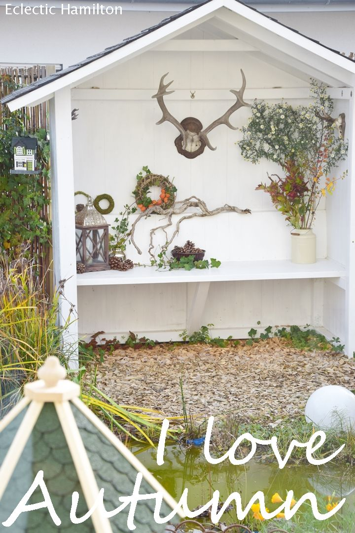 Herbstlich winterliche Deko für das Haus im Garten