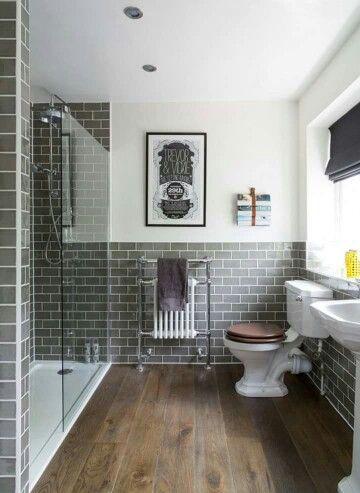 Badezimmer   Graue Kacheln   Duschwand